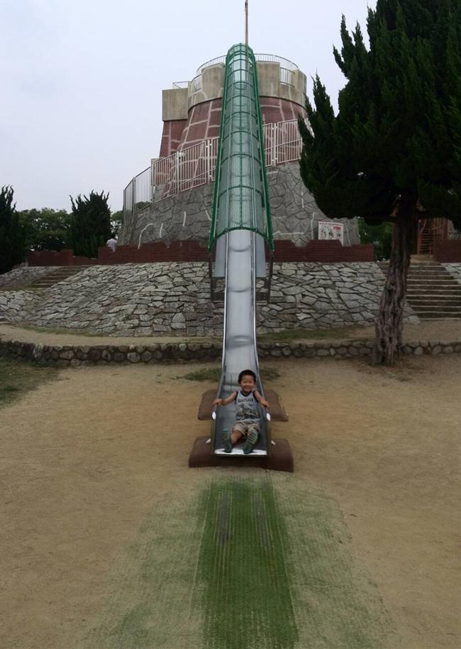 大泉公園すべり台