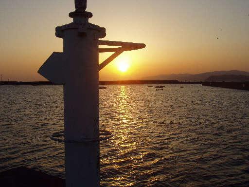 加太漁港の夕陽